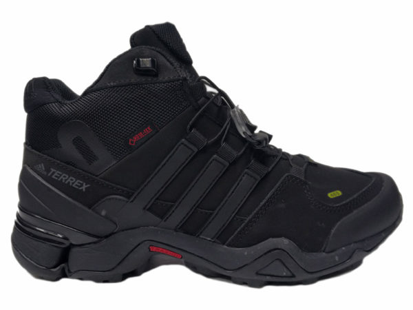 Зимние Adidas Terrex Traxion черные