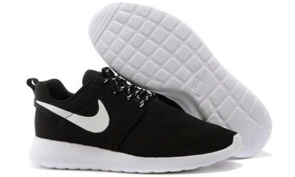 Nike Roshe Run (Black/White) черно-белые (35-44)