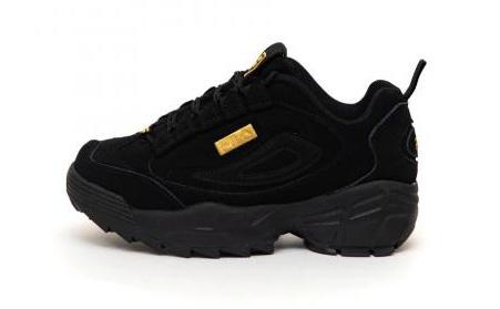 Женские кроссовки из нубука