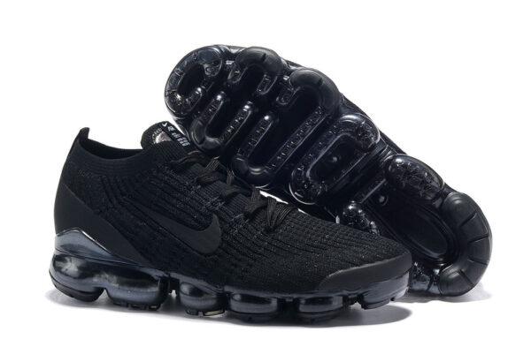 Летние черные кроссовки
